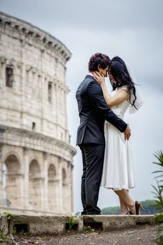 Honeymoon session in #Rome. #Wedding photography at the roman Coliseum by Andrea Matone photographer.