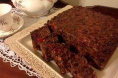 This 3 Ingredient Fruit Cake is a prize winning CWA recipe and it is fool proof.  This is a must make Cake. Be sure to try the 3 Ingredient Fruit Cake Muffins too! Tea Recipes, Sweet Recipes, Cake Recipes, Cooking Recipes, Cooking Stuff, Yummy Recipes, Mini Christmas Puddings, Christmas Cup, Christmas Cakes