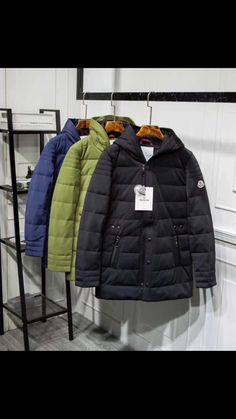 Moncler, Coats For Women, Winter Jackets, Stuff To Buy, Fashion, Girls Coats, Winter Coats, Moda, Winter Vest Outfits