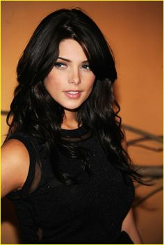 Ashley Greene- love this hair color and makeup