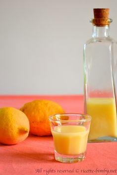La crema di limoncello è un liquore fresco e delicato ottimo da servire come digestivo dopo pasto e semplice da preparare con il tuo bimby. Leggi la ricetta