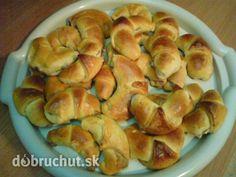 Orechové rožky - Tento recept na orechové rožky pochádza od našej babičky. Rožteky sú chutné a tí, čo majú radi vlašské orechy si prídu...