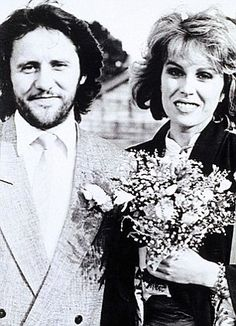 Joanna Lumley's second marriage in 1986 to Stephen Barlow.
