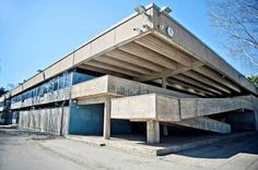 Roihuvuori elementary school in Helsinki, Finland. Built in the designed by Aarno Ruusuvuori. Brutalist, Helsinki, Elementary Schools, Finland, Architecture, Building, Outdoor Decor, Boys, Design