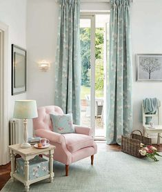 Find sophisticated detail in every Laura Ashley collection - home furnishings, children's room decor, and women, girls & men's fashion. Casas Shabby Chic, Estilo Shabby Chic, Shabby Chic Decor, The Loft, Pink Home Accessories, Deco Boheme Chic, Sweet Home, English Country Decor, Creation Deco