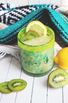 Recipe: Creamy Coconut Kiwi Smoothie