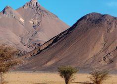Das Tibesti Gebirge, Bardai, Eingang, Explore Chad Holiday Travel, Oasis, Mount Everest, Africa, Holidays, Explore, Mountains, World, Nature