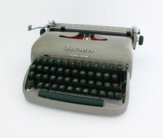Remington travel riter, vintage typewriter, working typewriter,portable typewriter,Remington typewriter,office typewriter,antique typewriter