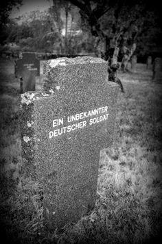 Cementerio Militar Alemán Cruz de un soldado desconocido