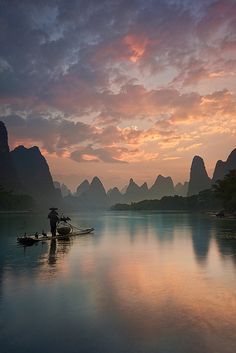 Li River sunrise, Guangxi, China (by Yan Zhang Photography).
