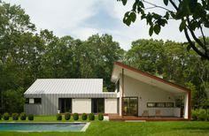 Skillion Roof Design Ideas, Pictures, Remodel and Decor Bungalows, Ranch Home Designs, Roof Design, House Design, Garage Design, Modern Deck, Modern Barn, Hip Roof, Metal Buildings