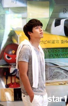 OMONA THEY DIDN'T! Endless charms, endless possibilities ♥ - Kim Soo Hyun, Hyun Bin - @Stacy Wilkins (JULY)