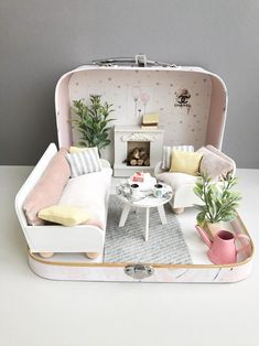 Your place to buy and sell all things handmade Miniature Rooms, Miniature Crafts, Miniature Houses, Miniature Tutorials, Silikon Baby, Diy Barbie Furniture, Diy Dollhouse Furniture Easy, Playhouse Furniture, Mini Mundo