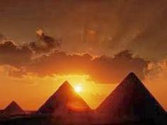 Η ΔΙΑΔΡΟΜΗ ®: Οι πυραμίδες χτίστηκαν από Έλληνες