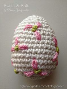 Source Free Easter Egg Crochet Patterns Easter is almost here! It's time to fill up our baskets with some colorful woolly crochet eggs! Crochet them… Crochet Food, Crochet Crafts, Crochet Dolls, Crochet Projects, Free Crochet, Easter Egg Pattern, Easter Crochet Patterns, Holiday Crochet, Easter Colors