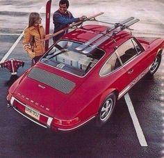 Porsche 911 T 1968 red Porsche 912, Porsche Carrera, Porsche Cars, Porsche Classic, Classic Cars, Vintage Ski, Vintage Cars, Porsche Vintage, Vintage Posters