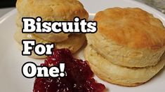 Biscuits for One (only 3 ingredients) cup self-rising flour, cup milk, 3 Tbsp salted butter. Bake in preheated 425 oven for min. Breakfast Dishes, Breakfast Recipes, Brunch Recipes, Best Homemade Biscuits, Cooking For Two, Bread Cake, Biscuit Recipe, Bread Baking, Baking Tips