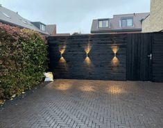 Backyard Fences, Backyard Landscaping, Terrace Design, Garden Design, Back Gardens, Outdoor Gardens, Exterior Wall Design, Narrow Garden, Modern Courtyard
