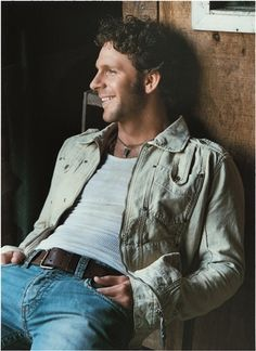 See Billy Currington pictures, photo shoots, and listen online to the latest music. Male Country Singers, Country Music Artists, Country Music Stars, Country Men, Country Girls, Latest Music, My Favorite Music, Gorgeous Men, Beautiful People