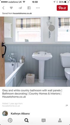 Couleur des murs et lambris Grey and white country bathroom with wall panels Upstairs Bathrooms, Downstairs Bathroom, Small Bathroom, Cottage Bathrooms, Family Bathroom, White Bathroom, Bathroom Wall, New Bathroom Ideas, Bathroom Inspiration