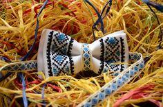 Ирина Загорулько Bows, Handmade, Needlepoint, Arches, Hand Made, Bowties, Ribbon, Bow, Boutique Bows