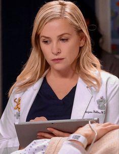 Arizona Robbins, Supergirl, Grey's Anatomy Doctors, Camilla Luddington, Jessica Capshaw, Greys Anatomy Characters, Grey Pictures, Actress Jessica, Meredith Grey