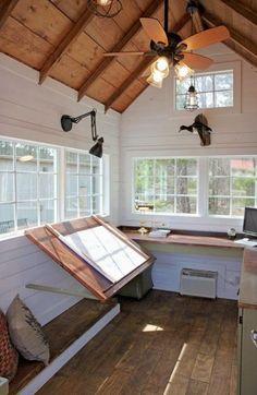 Best Craft Table Office Art Studios Ideas – Home Office Design İdeas Studio Apartment Design, Art Studio Design, Studio Apartments, Interior Design Studio, Home Office Design, Studio Spaces, Apartment Layout, Studio Room, Diy Interior
