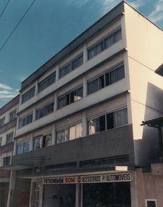 Prédio comercial/residencial Rua Floriano Peixoto - 1976/77