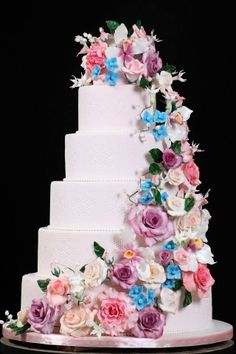 Designer Cakes By Mariana