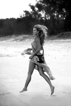 Elle MacPherson. Photograph by Heath Missen. Byron Bay. Australia.  www.heathmissen.com.au