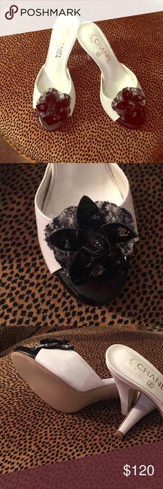 Heels Beautiful heels, white, detail flower black. Shoes Heels