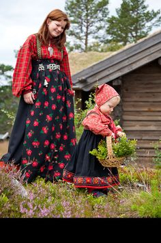 Norway Historical Clothing, Folk Clothing, Folk Costume, Costumes, Norwegian Clothing, Norwegian People, Art Populaire, Kids Around The World, Timeless Beauty