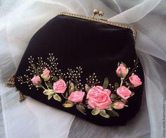 """Купить Бархатная сумочка с фермуаром """"Розовые грезы"""" - чёрный, цветочный, дамская сумочка, вечерняя сумочка"""