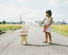 Why do you need a model if you have such a lovely daughter? Japanese photographer Toekatsu Nagano, created a stunning photo album with pictures of his daughter Cannes. Photo album called simply: «My daughter Kanna Nagano, Creative Portraits, Creative Photography, Children Photography, Photography Ideas, Creative Shots, Family Photography, Creative Ideas, Dad Pictures