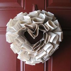 The Hidden Love Wreath Gives Your Space a Story #holiday #wreaths trendhunter.com