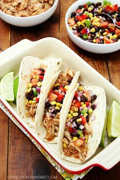 Slow Cooker Chicken Tacos #Mexican #tacos crunchycreamysweet.com