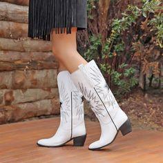 Akranes Beyaz Diz Altı Western Topuklu Çizme  #blackwhite #whitblack #white #heels #longboots #boots #western #beyaz #siyahbeyaz #çizme #kovboy Western Boots, Booty, Ankle, Shoes, Fashion, Moda, Swag, Zapatos, Wall Plug