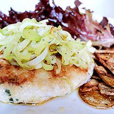 Hambúrguer de frango com alho-poró