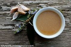 This Garlic Soup Will Fight Colds, Flu, and Maybe Even Vampires! (It may even be better than antibiotics.) - This Garlic Soup Will Fight Colds, Flu, and Maybe Even Vampires! Garlic Soup, Roasted Garlic, Flu Remedies, Health Remedies, Natural Remedies, Soup Recipes, Cooking Recipes, Healthy Recipes, Veggie Recipes