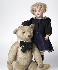 Niesje Wolters'v.Bemmel. De poppen beurs organisator van Nederland!!!! S.& Halbig doll