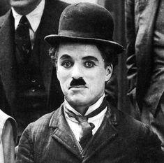 "Charlie Chaplin on the set of ""The Kid"" circa Charlie Chaplin, Hollywood Cinema, Classic Hollywood, Chaplin Film, Charles Spencer Chaplin, Ernesto Che, Renaissance Fair, Silent Film, Old Movies"
