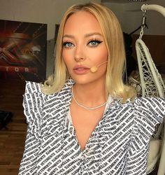 Love Makeup, Hoop Earrings, My Love, Model, Fashion, Moda, Fashion Styles, Scale Model