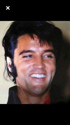Elvis Presley, great smile!