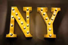 Riesige Vintage Leuchtbuchstaben NY