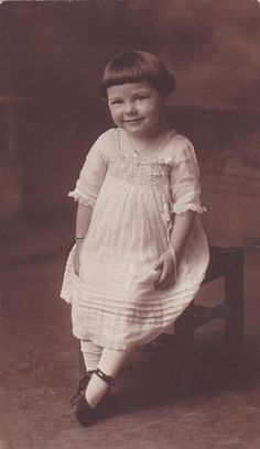 +~+~ Antique Photograph ~+~+    Sugar and Spice and all Things Nice little girl