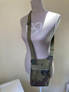 Pochette Be-Bop camouflage cousu par Ghyslaine - Patron Sacôtin