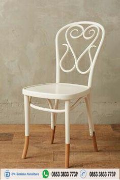 Kursi Cafe Kayu Unik Sandaran Klasik Jual Kursi Cafe dan Juga Furniture cafe lainnya dengan harga yang cukup murah dan terjangkau