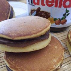 impasto pancake dolce con ripieno Nutella, Biscotti, Pancakes, Sweet Treats, Dolce, Breakfast, Desserts, Group, Board