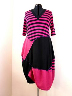 Upcycled Pink Black Tunic Dress / Recycled Teeshirt Dress / Pink Black Stripey Plus Size Dress / XL Lagenlook Tunic Dress by Tailortrash on Etsy