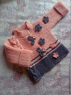 Examples of Knitting Decoration Art 2 Baby Knitting Patterns, Knitting Blogs, Knitting For Kids, Knitting Designs, Baby Patterns, Free Knitting, Knit Baby Dress, Knitted Baby Clothes, Baby Cardigan